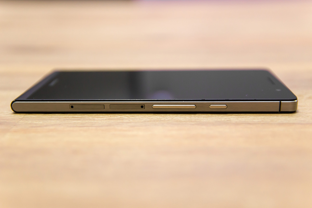 Huawei Ascend P6. desna stran