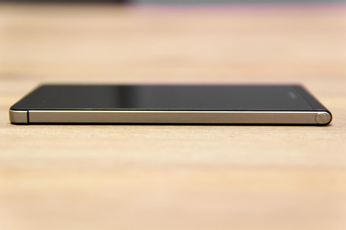 Huawei Ascend P6. leva stran